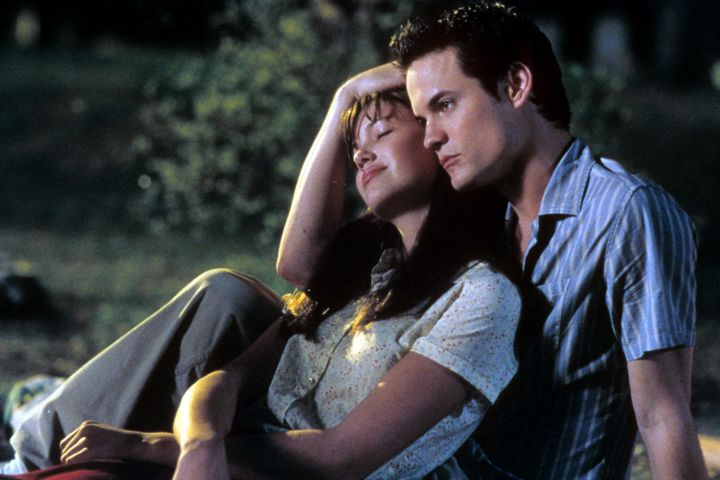 """Mandy Moore and Shane West in """"A Walk to Remember""""."""