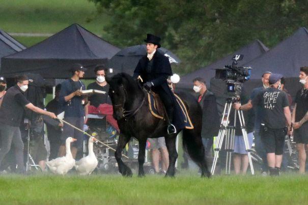 Jonathan Bailey Rides A Horse For 'Bridgerton'
