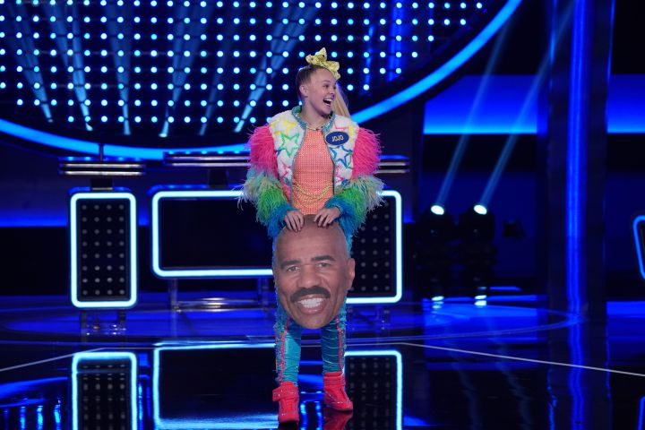 "JoJo Siwa on ""Celebrity Family Feud"". (ABC/Eric McCandless)"