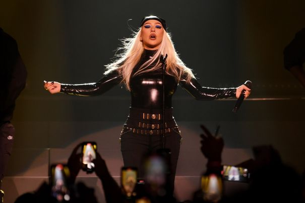 Christina Aguilera Turns Rock Chick For Las Vegas Performance