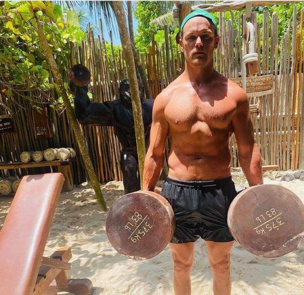Sam Heughan Hits The Jungle Gym