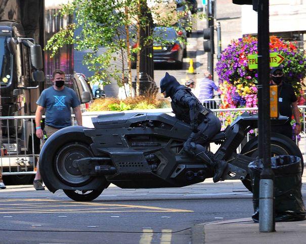 Ben Affleck's Batman Goes For A Ride