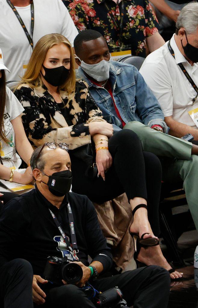 Adele Is Courtside For NBA Finals & Becomes An Internet Meme | ETCanada.com