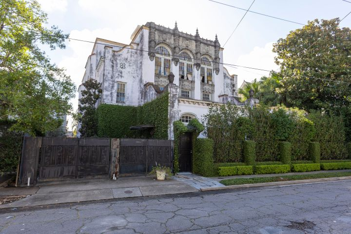 New Orleans mansion reportedly owned by Beyonce catches fire. Photo: Mega