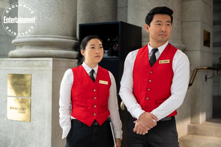 Katy (Awkwafina) and Shang-Chi (Simu Liu)
