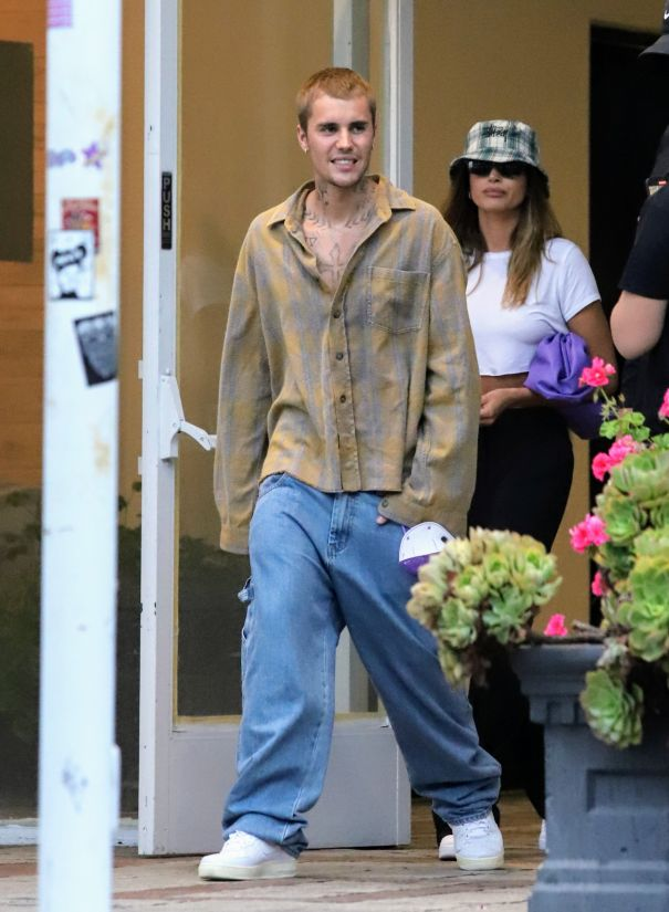 The Biebers Head Out For Dinner Date