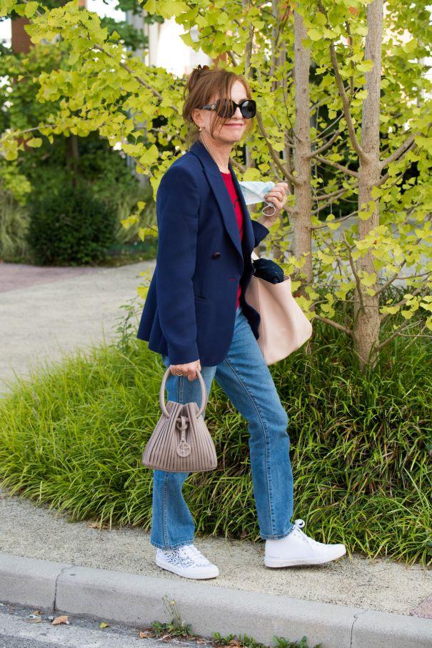 Isabelle Huppert Rocks Denim In Venice