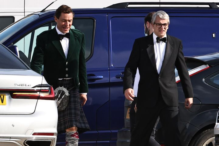 """Dominic West and Jonny Lee Miller as Prince Charles and John Major In """"The Crown""""."""