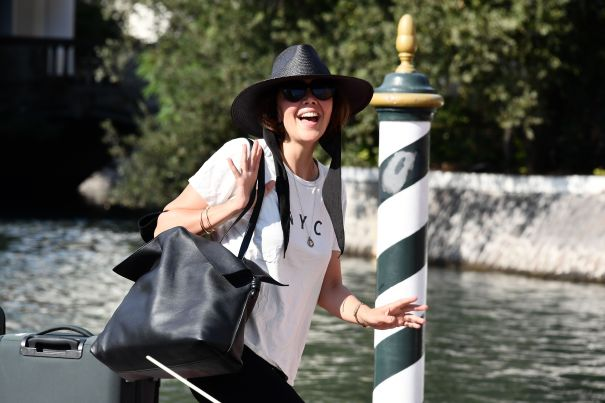 Maggie Gyllenhaal Casual In Italy