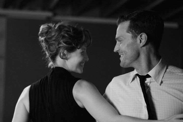 Caitriona Balfe and Jamie Dornan - Photo: Rob Youngson / Focus Features