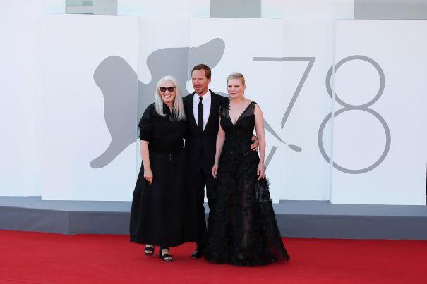Kirsten Dunst, Jane Campion And Benedict Cumberbatch Strike A Pose