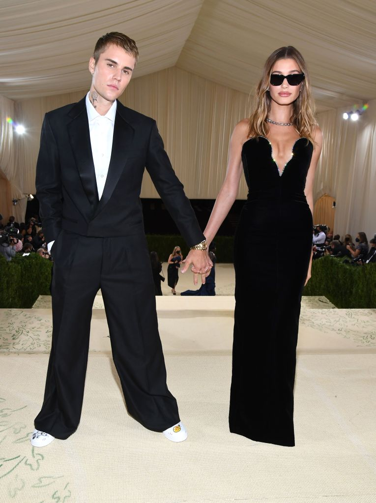Justin Bieber and Hailey Bieber attend The 2021 Met Gala. Photo: Kevin Mazur/MG21/Getty Images For The Met Museum/Vogue