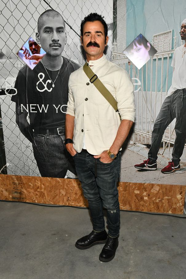 Justin Theroux Shows Off 'Stache At Pop-Up Party