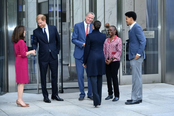 Governor Kathy Hochul, Meghan, Prince Harry, Duke of Sussex, NYC Mayor Bill De Blasio, Duchess of Sussex, Chirlane McCray and Dante de Blasio talk at One World Observatory on Sept. 23, 2021 in New York City.