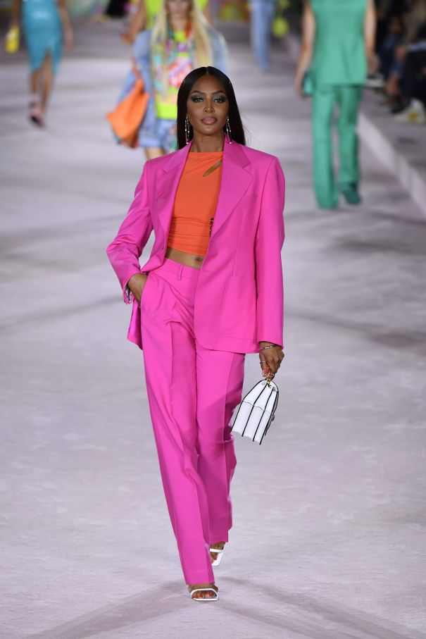 Naomi Campbell Bold In Pink