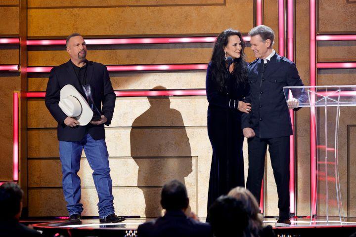 Garth Brooks, Mary Travis and Randy Travis