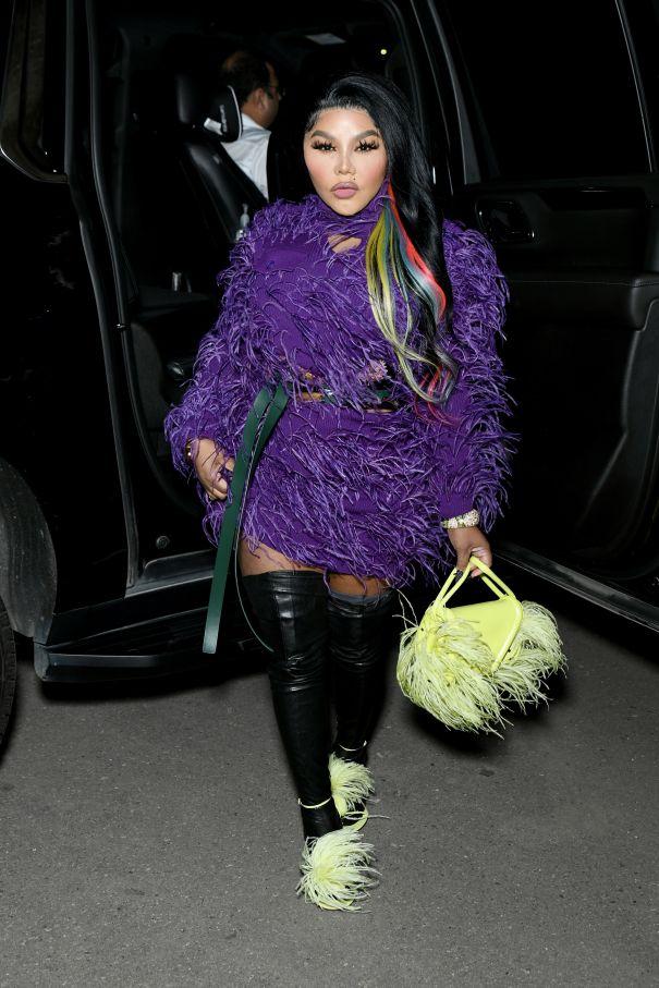 Lil' Kim Looks Pretty In Purple